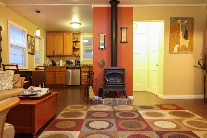 Beautiful, spacious 1 bedroom for 4 - Герневилль - Квартира
