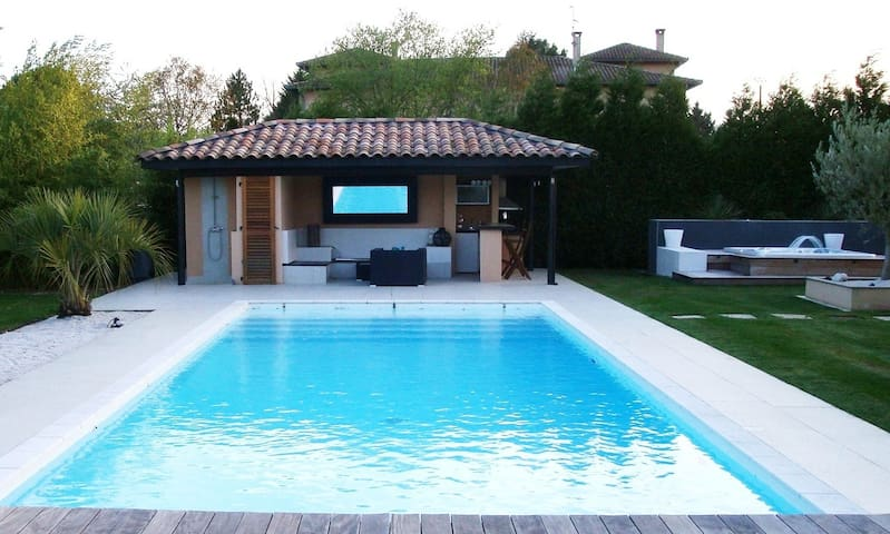 Villa SwimPool heated&Jacuzzi 15Km/Toulouse - Lapeyrouse-Fossat - Villa