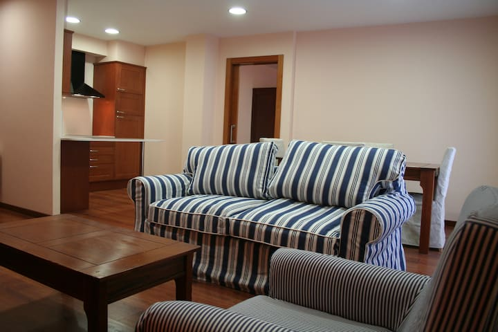 APARTAMENTOS HOTEL TARREGA LAGRANJA - Tàrrega - アパート