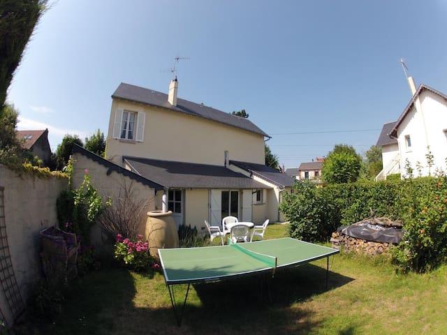 Maison-jardin à 200m mer et centre - Cabourg - Dům