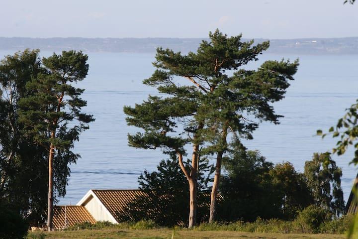 Modern house close to the golf course - Skäret - Casa