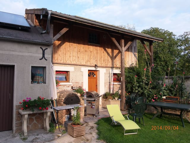 LE SOLEIL DES ARDENNES, gîte écolo - Saint-Étienne-à-Arnes - Huis