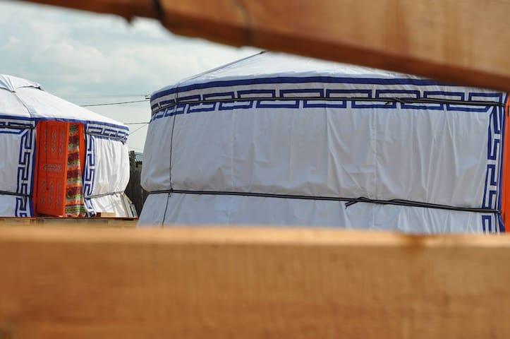 Cozy yurtas, reasonable prices - Хужир