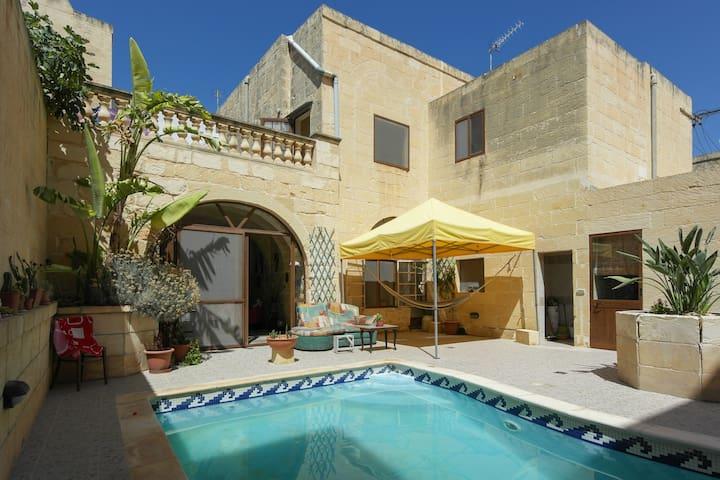 Welcome to Calido Hogar - Ix-Xagħra - Hus