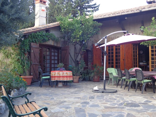 Cozy self-catering or B&B with pool - Espira de l'Agly