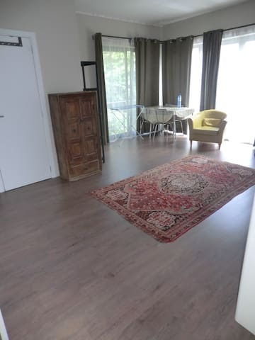 spacious room - 7km to Brussels - Overijse - Hus