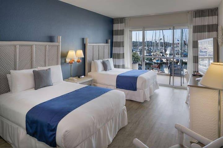 2 Queen Bedroom w/ Bay or Marina View! - サンディエゴ - 別荘