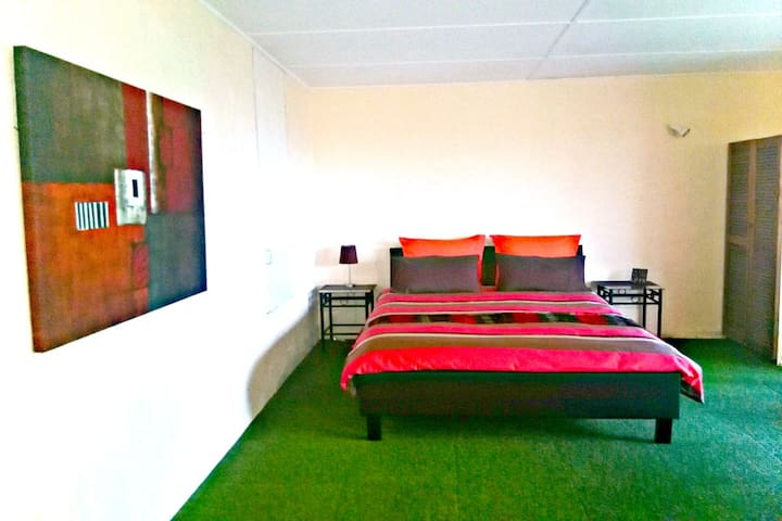 The Flat @ Nelson Bay - Beach & water views! - Nelson Bay - Appartement
