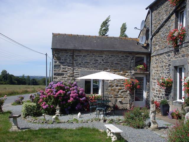 La Vieille Boulangerie Gite - Langourla - Hus