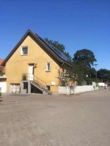 Ferielejlighed i Grindsted Centrum - Гриндстед - Лофт