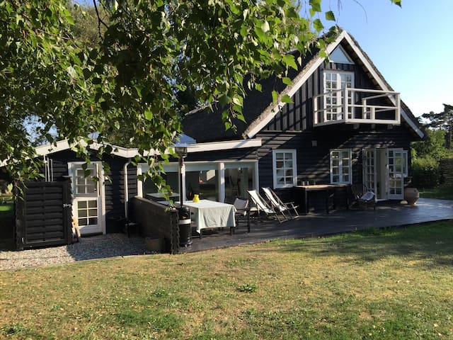 Beautiful house by the beach - Hundested - Huis