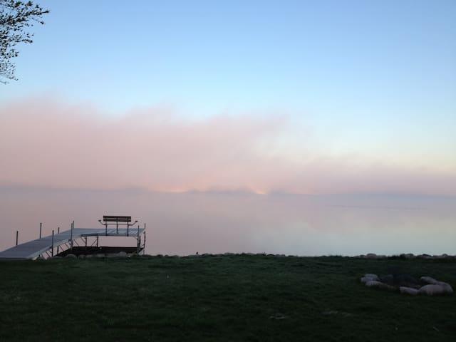 Lake House Apartment- Fishing&Views - Mukwonago - Casa