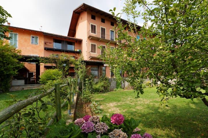 CadiTrau ampio Monolocale - Mosso Santa Maria - Lägenhet