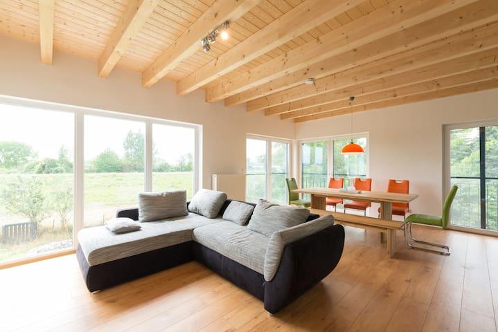 Schickes, helles und modernes Haus am Eicher See - Eich - Ev