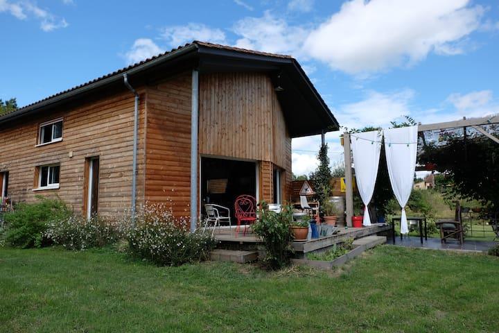 wooden house near Bergerac - Lembras