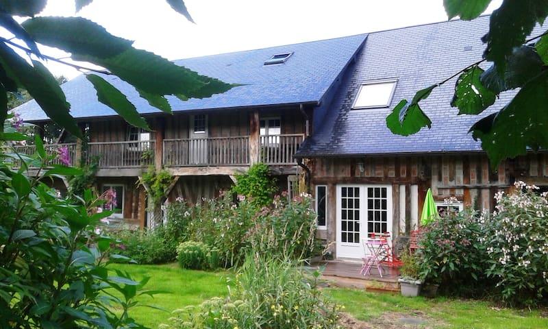 Chambre d'Hôtes normande pastel - Saint-Hymer - Bed & Breakfast