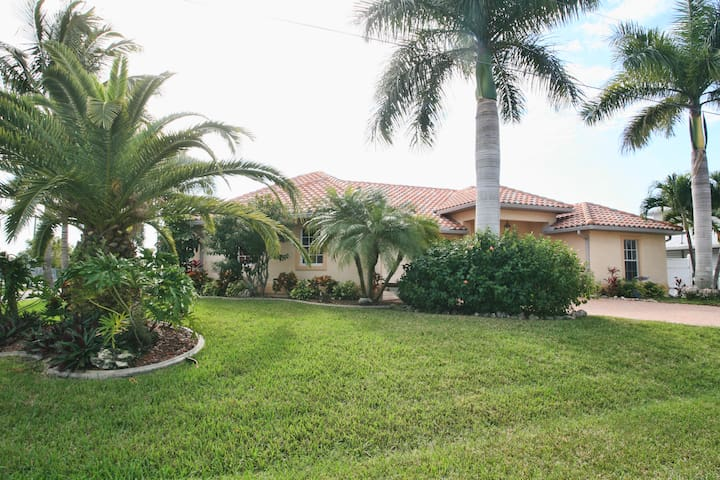 WaterFront,Pool,Spa,MsBd/Bath/Kayak/Bicycle - North Fort Myers
