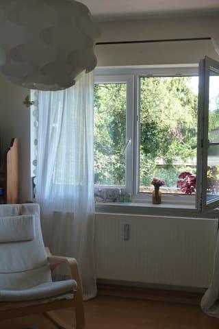 Friendly room in Munich-West - Gröbenzell - Apartament