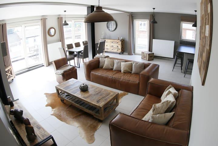 Luxury Duplex with 3 rooms 2 bathr - Maisieres - Leilighet