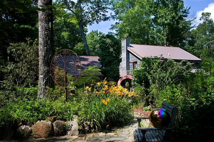 Green River Retreats Near Camps & Dupont Forest - Zirconia - Appartement