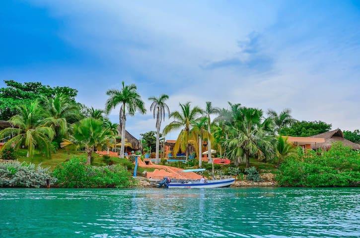 ISLA BARU. Villa Náutica - Cartagena de Indias - Hytte