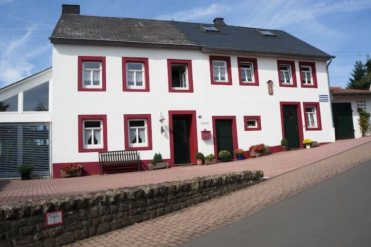 Ferienhaus in der Eifel - Neidenbach