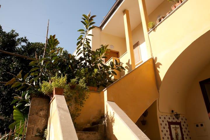 private bedroom apt in old Sorrento - Sant'Agnello - Departamento