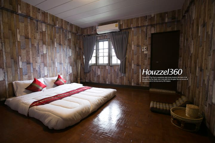 #2 Best Location OIdCity ThaPhaeGate Bed&Breakfast - Mueang Chiang Mai District - Bed & Breakfast