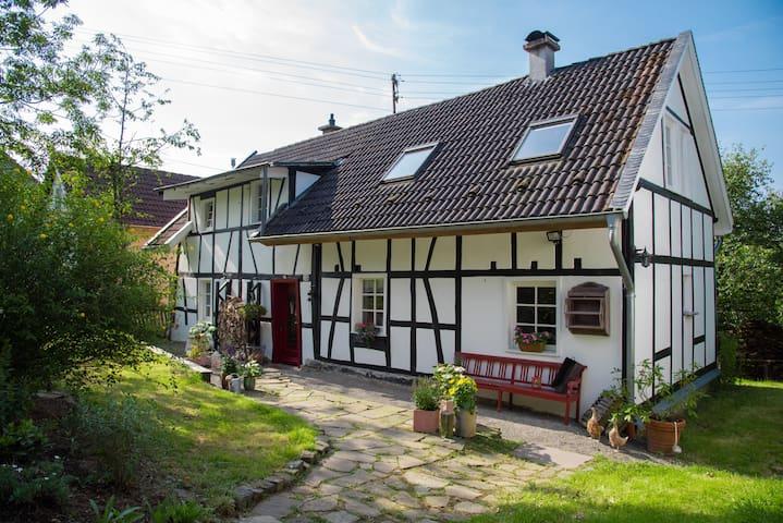 Ferien im Landhaus im Bergischen - Ruppichteroth - Huis