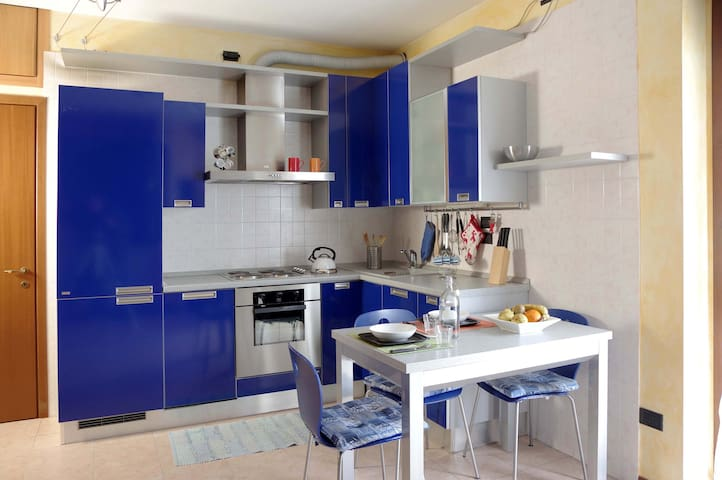 Tranquillo e luminoso monolocale - Novate Milanese - Condominio