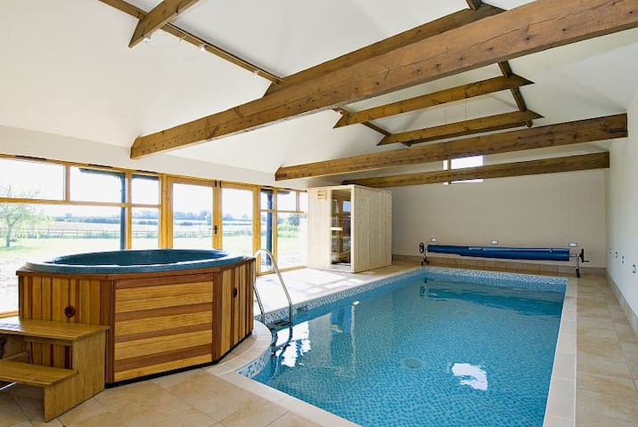 Owl Cottage - Luxury Self Catering - Sotby - Huis