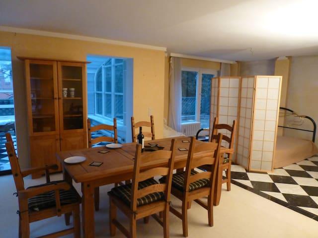 Penthouse, 15 mins to City Center - Munich - Appartement en résidence