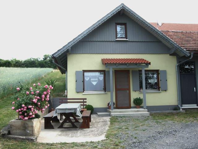 Ferienwohnung Berghäusle - Stadtlauringen-Birnfeld - Huis