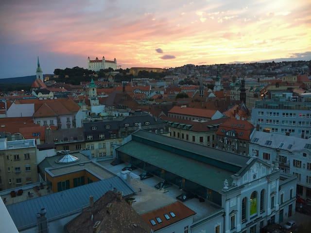 In the very center - amazing view! - Bratislava - Apartemen