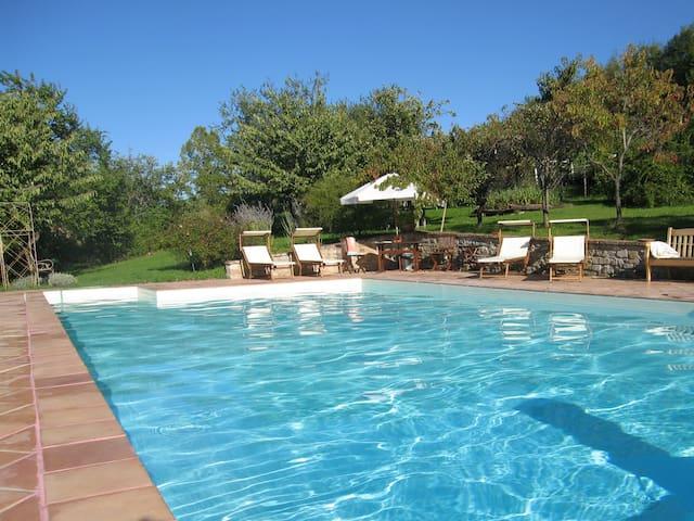 Country House LaCenerara-GreenSuite - Velleia Romana - Huis