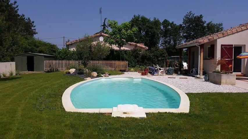 Sunny double room - Montauban - Casa