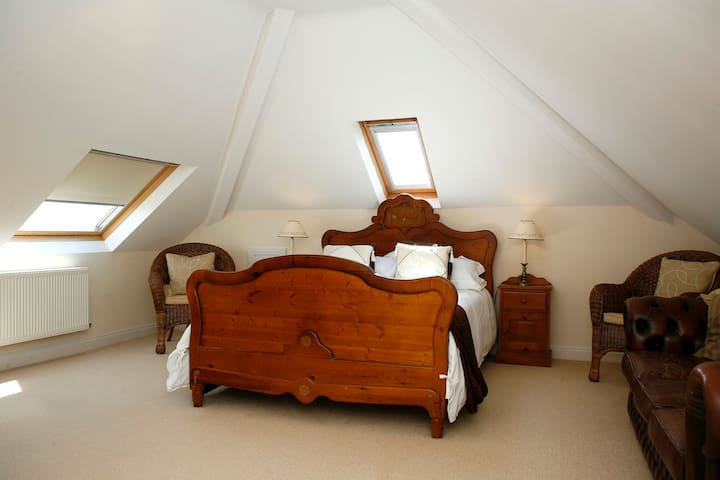 Hilbre B&B-Family rooms - Gwespyr Holywell - Bed & Breakfast