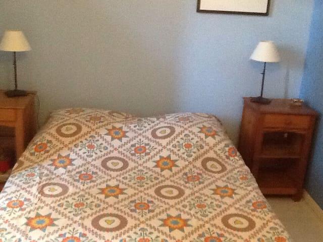 Chbre avc lit 140 dans maison calme - Claix