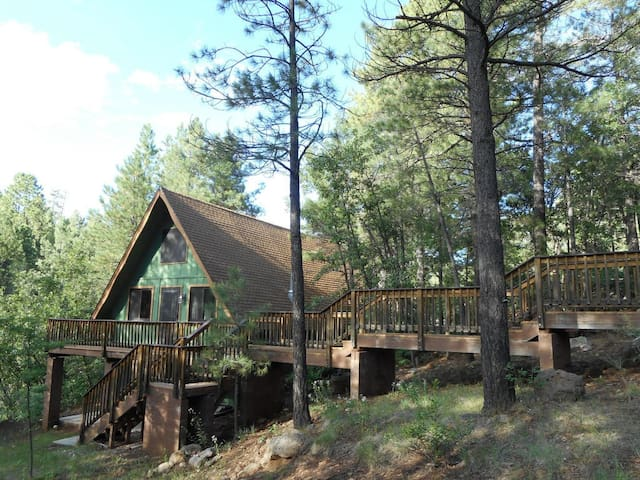 Peaceful Cabin with Privacy and Panoramic Views - Munds Park - Kulübe