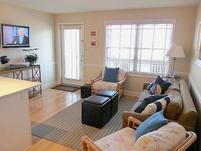 Cape May Oceanfront Beach Retreat - Cape May - Appartement
