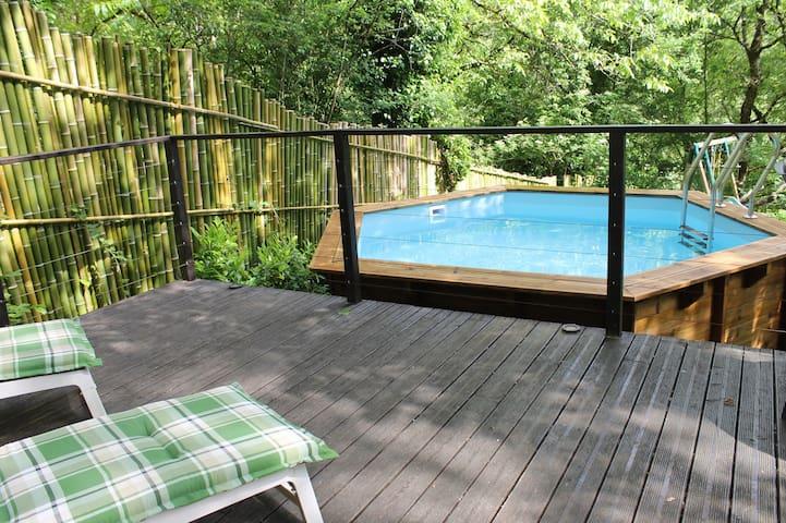 Tranquil studio overlooking river! - Saint-Antonin-Noble-Val - Lägenhet