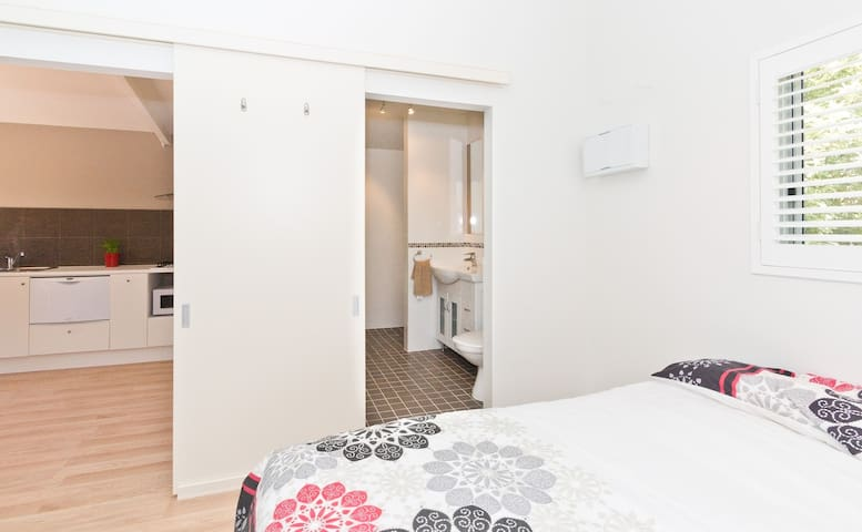 Perth Pearsall Flat 23km From City! - Pearsall - Daire