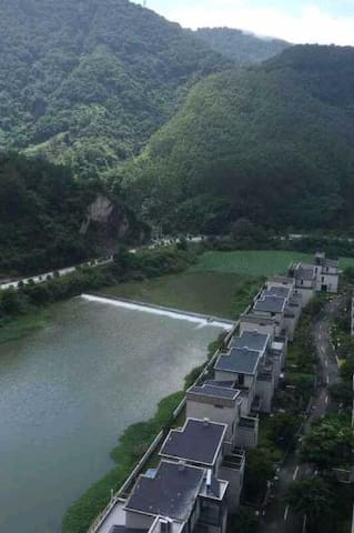 清静、清风,还可枕着潺潺溪水入眠,浪漫情侣度假房 - Fuzhou - Appartement