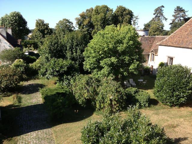 grande maison a la campagne - Pressigny-les-pins - Casa