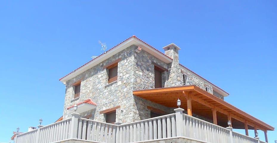 Modern Mountain Villa - Kyperounta - Huvila