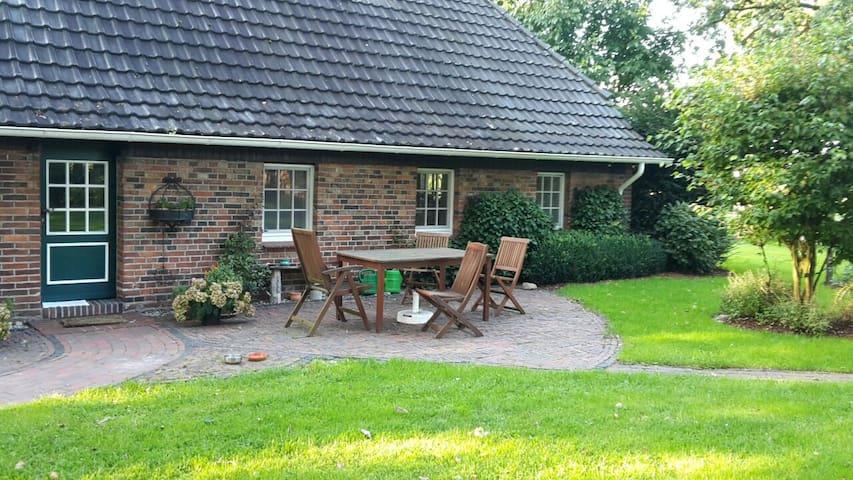 Liebevoll gestaltetes Bauernhaus - Wardenburg - アパート
