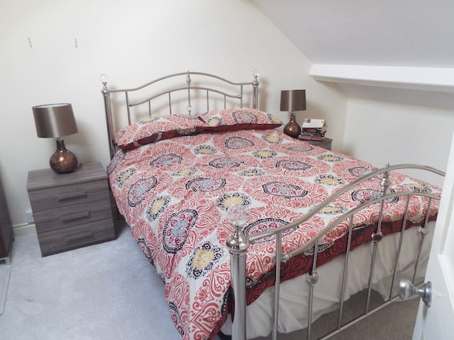 Townhouse 40 minutes from Cardiff - Merthyr Tydfil - Huis