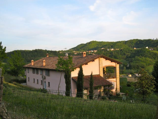 Countryside house B&B in Piedmont  - Ponzano Monferrato - Bed & Breakfast