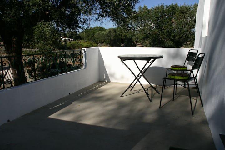Beautiful studio in region Marvão - Alvarrões