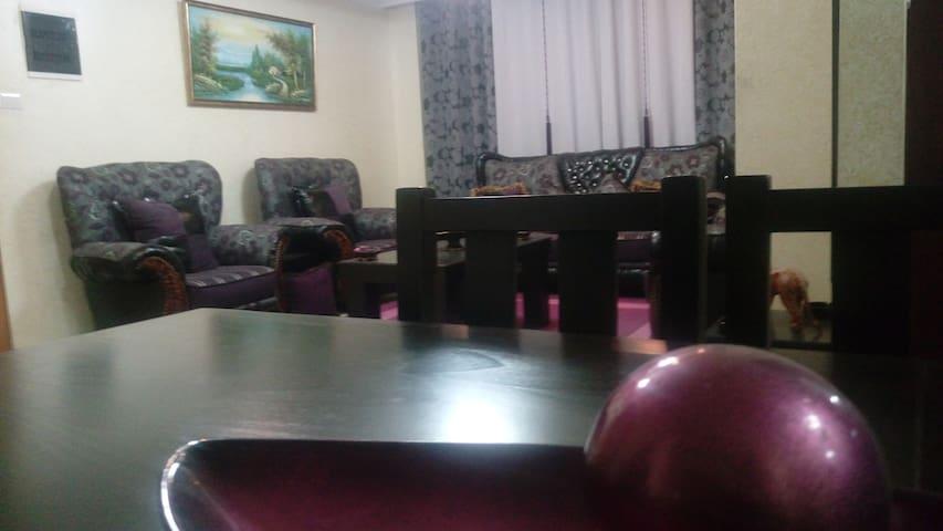 Apartment in Ramallah - Ramallah - Departamento